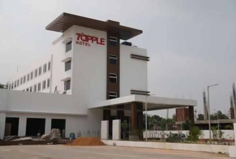 7Apples 3 Star Business hotel at Baroda